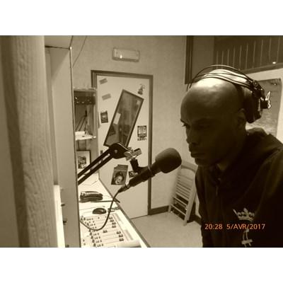 www.radionomy.com/djkingdjez.fr