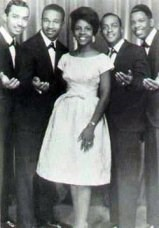 Gladys Knight & The Pips - Take Me In Your Arms And Love Me