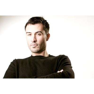 Yves Larock - Free Tonight (Loudwing RMX)